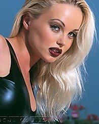 Sexiest blonde babe Silvia Saint shows her ass on the beach