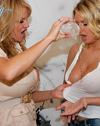 Kelly gets a hot blonde into a bathroom and has a hot threesome.